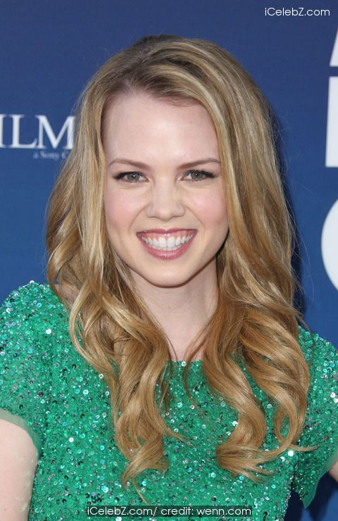 Abbie Cobb Premiere of 'Mom's Night Out' held at the TCL Chinese Theatre IMAX http://www.icelebz.com/events/premiere_of_mom_s_night_out_held_at_the_tcl_chinese_theatre_imax/photo2.html