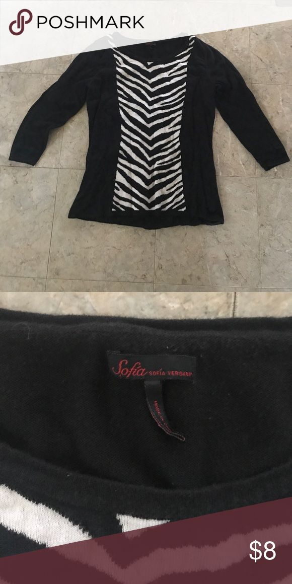Zebra print sweater Light weight and dressy zebra sweater! Sofia Vergara Sweaters Crew & Scoop Necks