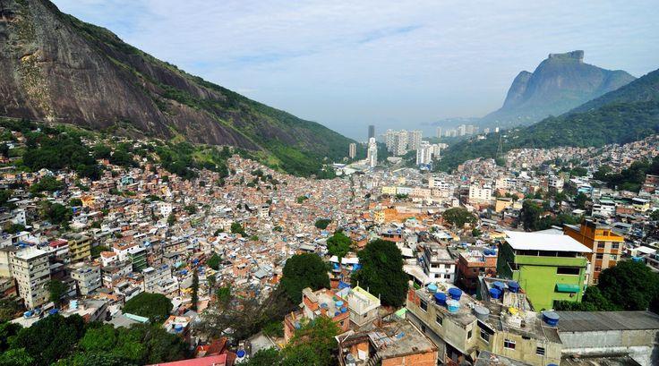 Favela Rocinha, Rio de Janeiro  - http://earth66.com/city/favela-rocinha-rio-janeiro/