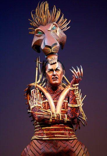 """el resultado final del maquillaje de Scar - Maquillaje de """"El Rey León"""""""