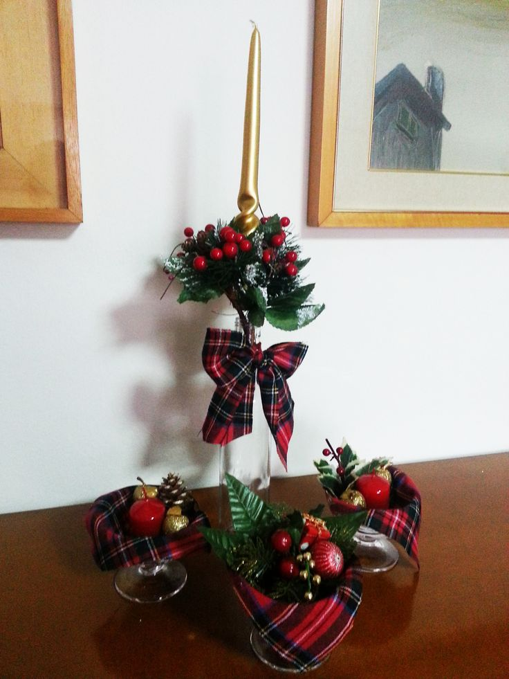 #christmas #decorations #red #tartan #gold  ideas for christmas
