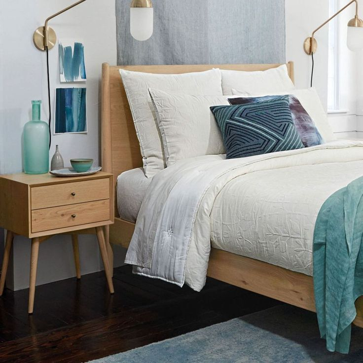 Mid-Century Bed – Natural Oak