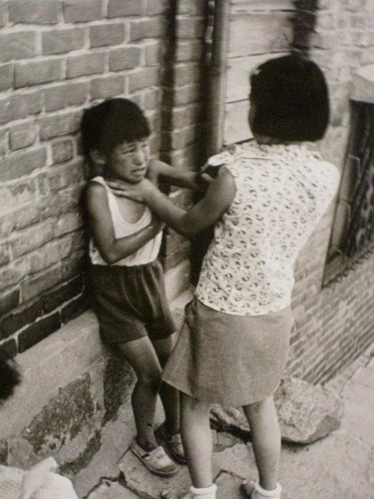 Exceptional collection of daily life photos by Kim Ki Chan [사진작가] 김기찬(金基贊, 1938-2005)
