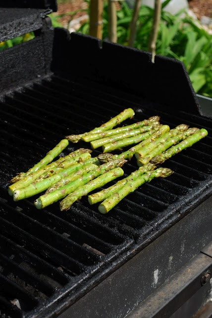 Grilled AsparagusFamilies Bites, Sidedishes, Side Dishes, Recipe, Bbq Grilled, Dinner Side, Yummy Food, Grilled Asparagus, Yummy Side
