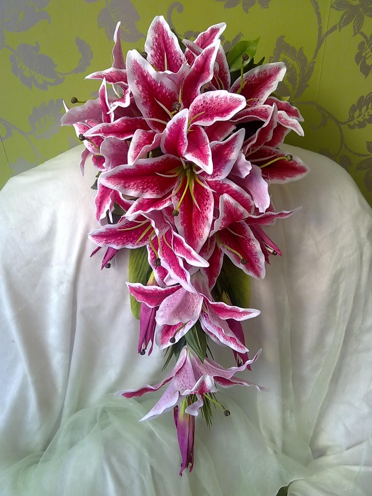 lily bouquet. Looks similar to my mothers