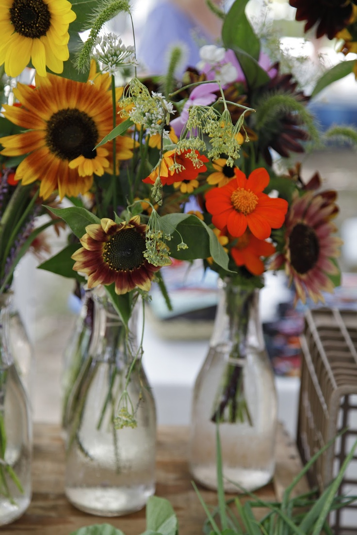 Bouquets of sunflowers  Christine Chitnis: Sunflowers Christine, Floral Magic, Vases, Bouquets, Marketing Bloom, Auguste Marketing