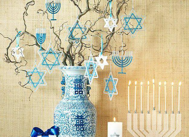 No Hanukkah, a festa das luzes, é tempo de usar as velas na decoração, principalmente no Menorah, um castiçal de 9 bocas específico para a comemoração