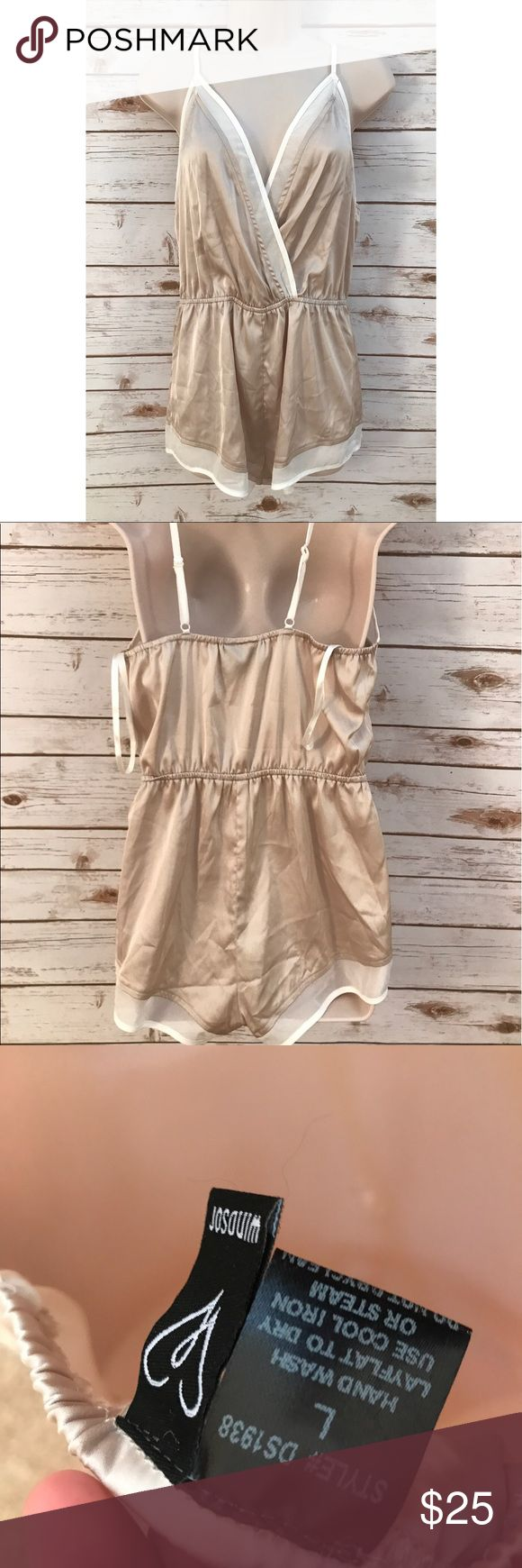 ✨NEW✨ Windsor Silk Beige & White Playsuit • New without tags. Only worn once to show fit as I wear a large. • Beautiful silk material. • Adjustable straps • Beige and Creme white hues. • Bust is 16' laying flat. • Size is LARGE. Windsor Dresses Mini