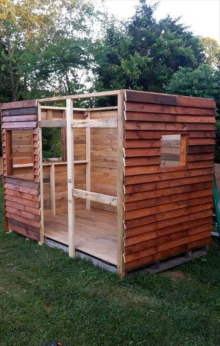 Wooden Pallet Clubhouse Or Playhouse Pallet Playhouse Play
