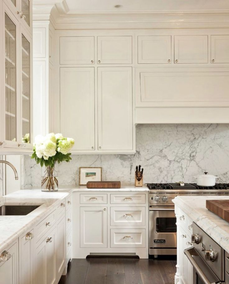 Ceiling Height Cabinets Marble Backsplash It S The Perfect
