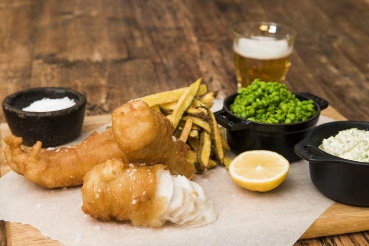 Fish & Chips med remulade og ertepuré