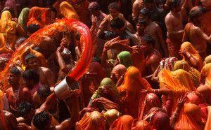 25-photographies-eblouissantes-du-festival-des-couleurs-en-inde-22