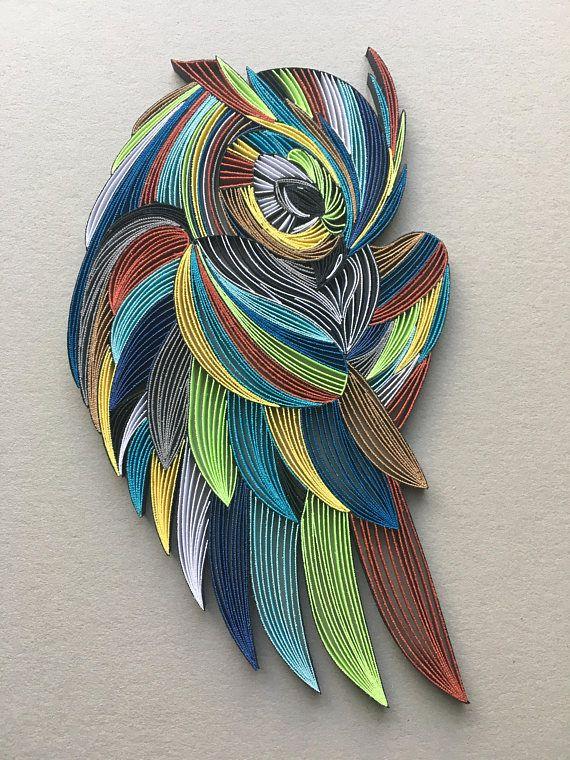 Papier 1/8(3mm) de chouette oiseau - Art mural de Quilling - bandes de peinture Cette pièce sophistiquée de l'art est fait à la main selon la technique de la peinture avec 3 mm (1/8 po) de bandes de papier large de différentes longueurs. Le œuvre comprend des centaines de milliers
