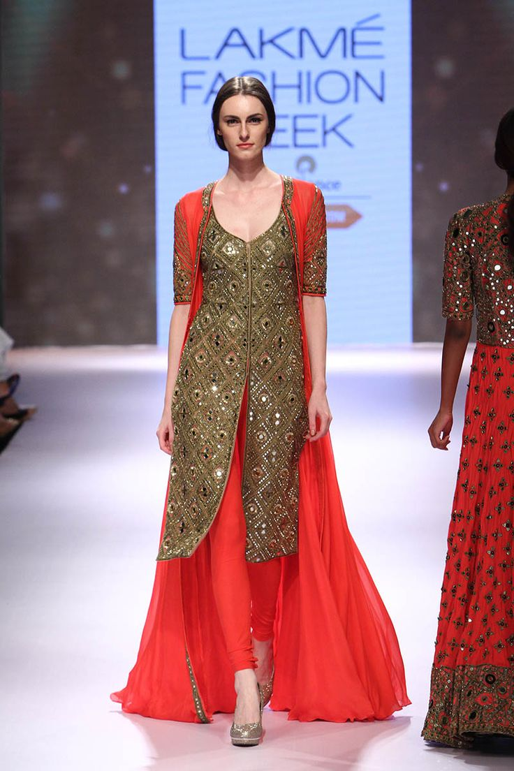 Arpita Mehta at Lakmé Fashion Week Winter/Festive 2015 | Vogue India | Cat:- Fashion Shows | Author : - Vogue.in | Type:- Article | Publish Date:- 08-31-2015