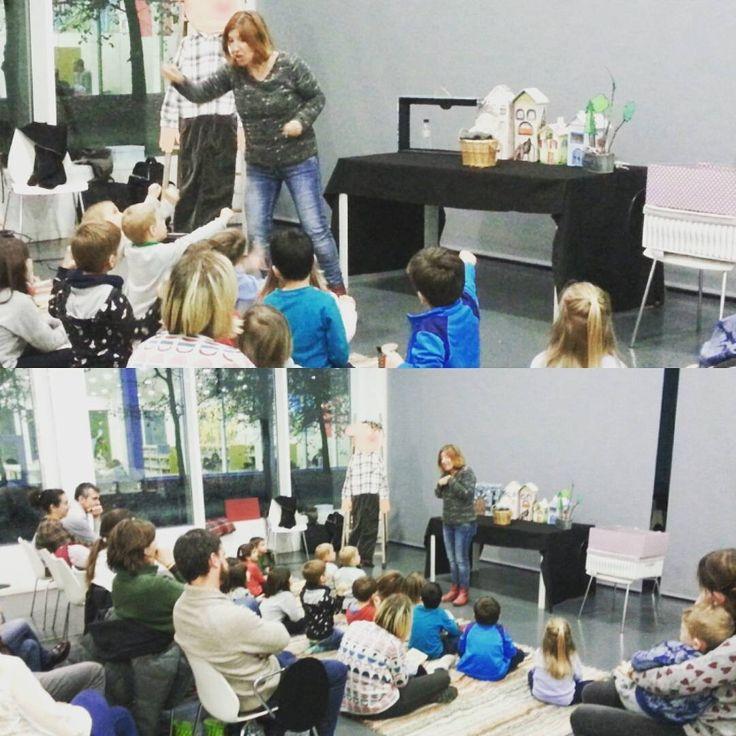 MAquesta tarda hem gaudit dels Contes de l'Anna. Sessió especial de la Pau. #petitsllibres #biblioteca #cuento #leer #lectura #actividad #infantil #tales #niños