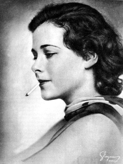 Portrait von Hedy Kiesler (Lamarr), Bühne, März 1933 (Edith Glogau):
