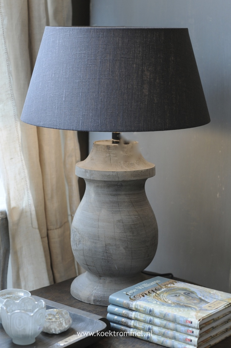 houten lampvoet & linnen kap