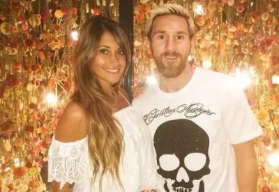Welcome to Emmanuel Donkor's Blog    www.DonkorsBlog.Com                                        : Lionel Messi sets wedding date to marry his partne...