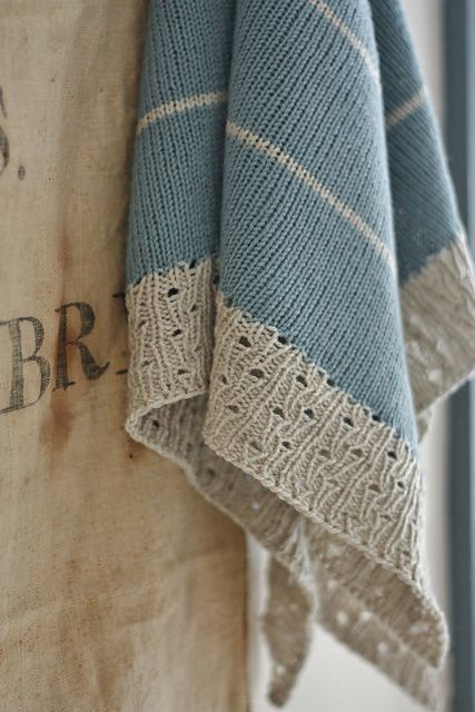 Ravelry: Paperwhite pattern by Alicia Plummer