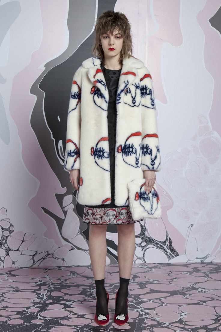 Shrimps RTW Fall 2016 <span class='article-title-premium-container'…