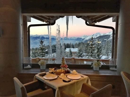 the-view-from-ristorante.jpg (550×413)LeCrans Hotel, Switzerland