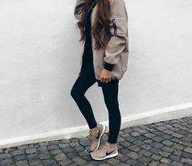 Вдохновляющая картинка коричневый, кэжуал, одежда, наряд, мода, девушка, волосы, куртка, длинноволосые, любовь, moda, режим, Nike, комплект одежды, идеально, приятное, обувь, стиль, 4085666 - Размер 500x492px - Найдите картинки на Ваш вкус