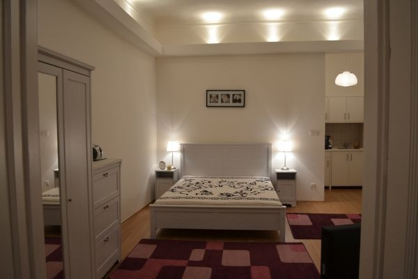 Budapest, Hungary Vacation Rental, 1 bed, 1 bath, kitchen with WIFI in V-Belváros-Lipótváros . Thousands of photos and unbiased customer reviews, Enjoy a great Budapest apartment rental perfect for your next holiday. Book online!