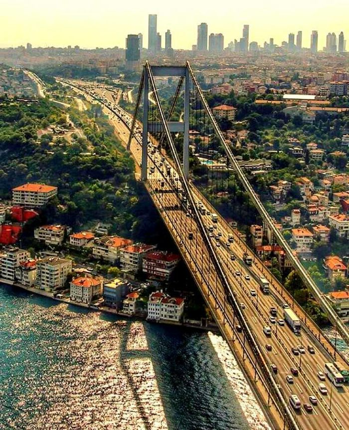 Sehenswürdigkeiten Istanbul bosporus brücke von oben