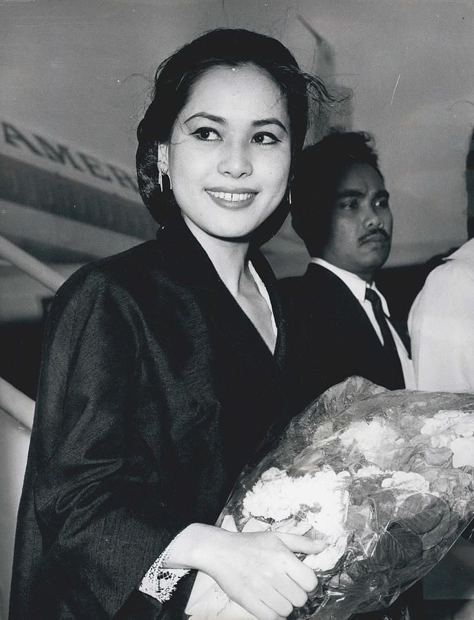 President Sukarno's New Wife Visits London Photograph