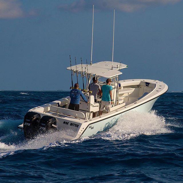 SeaVee Boats 320b center console