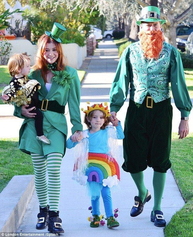 Alyson Hannigan, Alexis Denisof, and their girls dressed up!