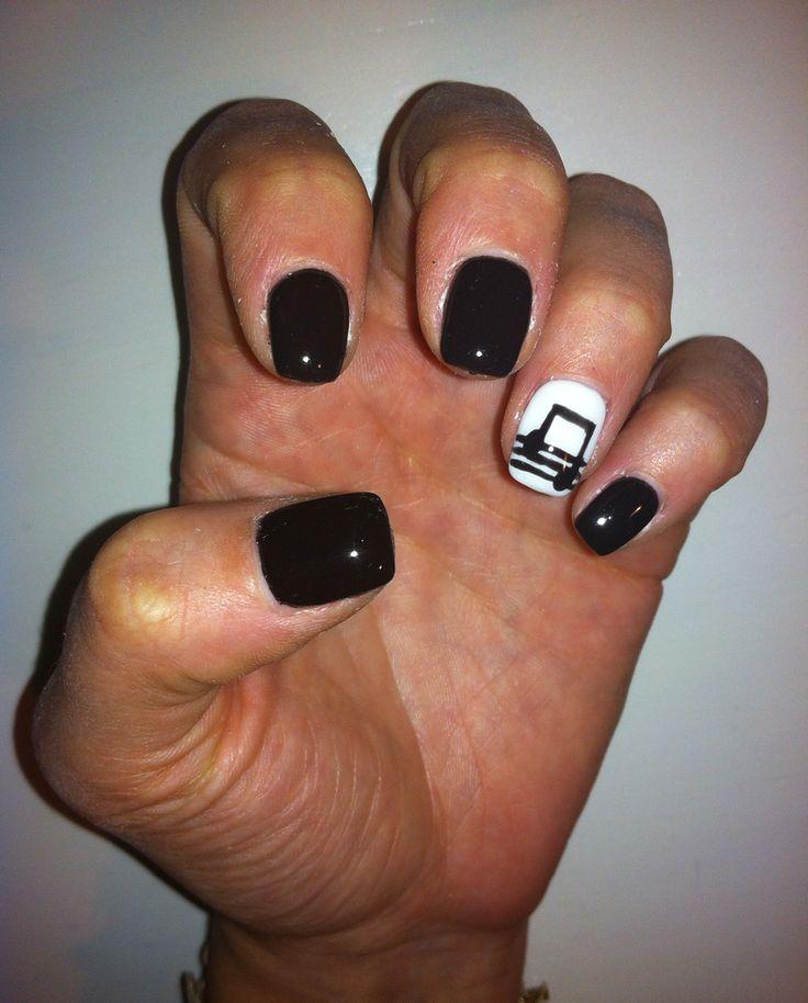 Ricostruzione unghie con nota musicale