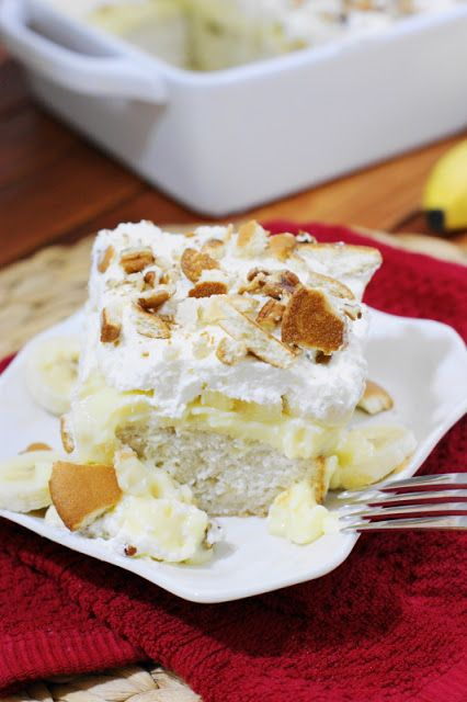 Banana Pudding Icebox Cake ~ so good, it will have you going back for seconds ... or even thirds!  www.thekitchenismyplayground.com