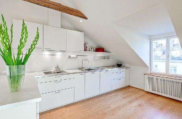 Köşe şeklinde modern çatı katı mutfak dekorasyonu - Kadınlar