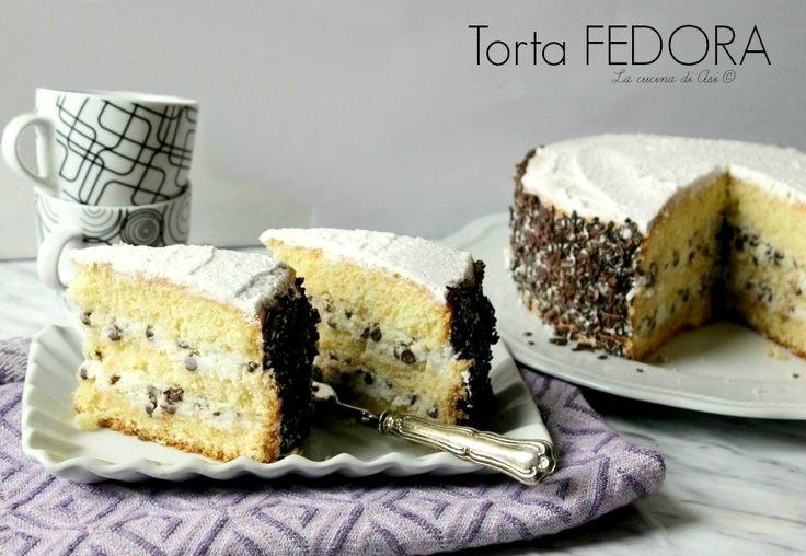Torta Fedora una torta della cucina siciliana con un sofficissimo pan di Spagna farcito con una cremosa e ricca farcia di ricotta Ricetta torta Fedora