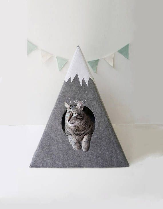 Cat bed with matching pillow , cat bed , cat teepee , #catbed #catteepee