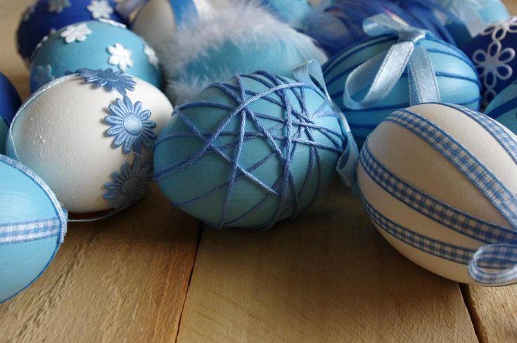 Modrá+velikonoční+vajíčka+-+Každé+z+těchto+nových+velikonočních+vajíček+bylo+ozdobeno+jiným+způsobem,+i+vy+určitě+přijdete+na+další+originální+způsoby.  ( DIY, Hobby, Crafts, Homemade, Handmade, Creative, Ideas, Handy hands)