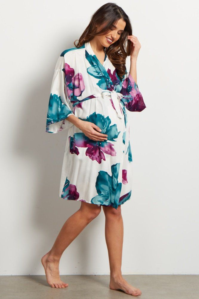 A printed delivery/nursing maternity robe to make sure your visit during and after the hospital is comfortable and stylish. This robe will make you feel beautiful through all of motherhood's transitions. With the gorgeous hues, feminine design, and lightweight material, you can have a beautiful piece to keep cool in.
