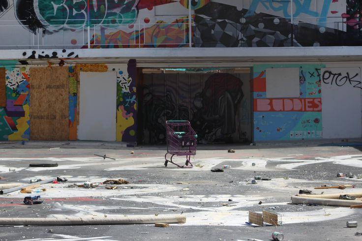 Abandoned Motel in Las Vegas NV [OC] [5184 x 3456 pixels]