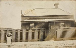 Australian architecture in 1912 - weatherboard house - heritage home.jpg