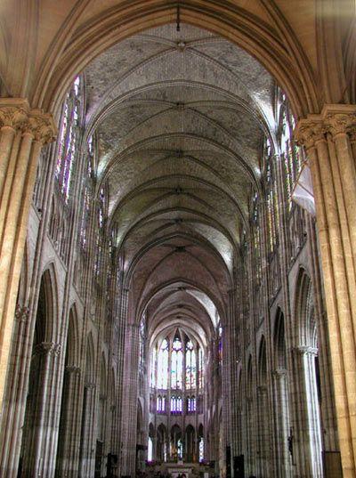 Interno della cattedrale di Saint-Denis.