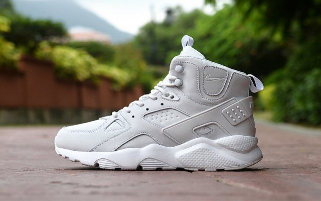 bc5ad254cb728 Classic Men s NIke Huarache High Top Cushion Running Sports Shoes All White