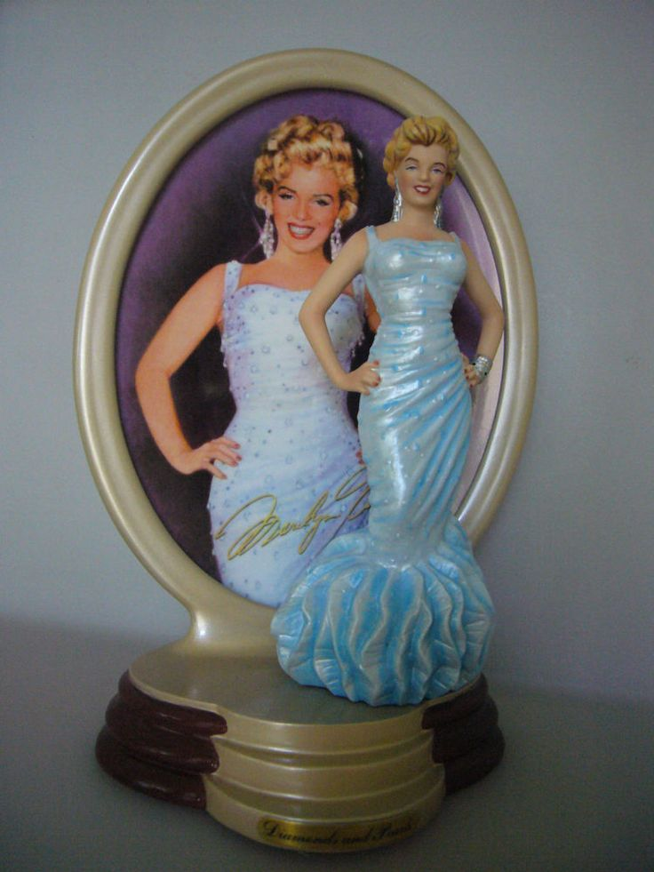 Marilyn Monroe Diamonds and Pearls Porcelain Figurine Show Stopper
