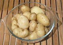 Картофель в мундире, жареный перец, и жареные кабачки с румынским соусом Муждей. — Кулинарная книга - рецепты, фото, отзывы