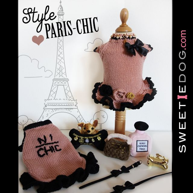 <3 Look Book chien Paris Chic <3 Robe chien Camélia & Cambon Chic - Collier chien & laisse chien Black Darling – Collier Baby Pearl – Distributeur sac Chrome Doré United Pets - Jouet chien Chuicy Chihuahua - Jouet chien Chewy Vuiton Bag – Chewnel Bone & Koko Chanel Parfums - www.sweetiedog.com