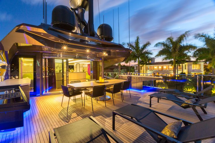 Night view of the aft deck on the 48M SS.