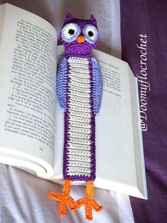 Accessoires de papeterie, marque-pages en cotons violet, mauve et beige et orange crochetés représentant une jolie chouette ou un hibou aplati pour mieux s'inserer dans les livre - 17647397