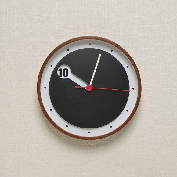 キューブ 壁掛け時計 CCL-5740:デザイナーズ家具「Natural Rooms」