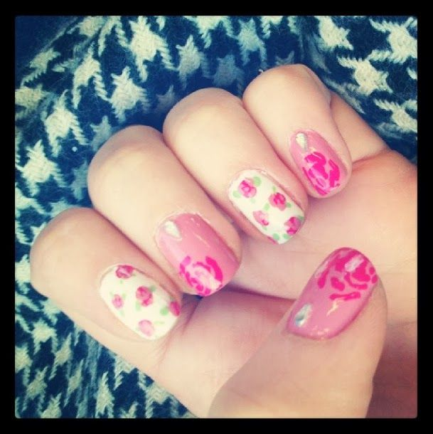 Floor's world: Quick Nail update - Floral design