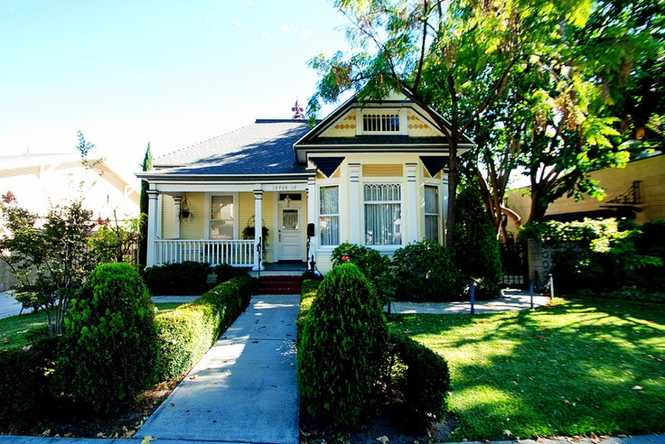 Victorian Bungalow Maybe House Styles Architecture Bungalow